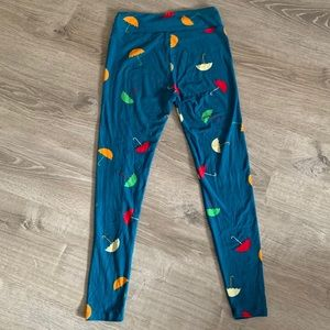 LuLaRoe beach umbrella leggings!